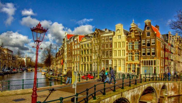Passagens Aéreas para Barcelona e Amsterdã em Promoção